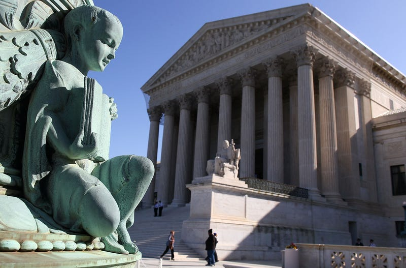 Illustration for article titled Justice Dept. Urges SCOTUS to Rule Gay Marriage Bans Unconstitutional