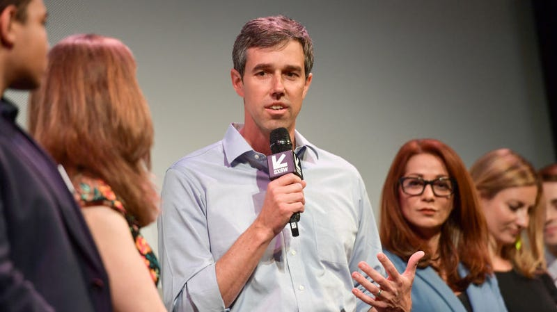 Illustration for article titled Beto O'Rourke is running for president, apparently against his dog's wishes