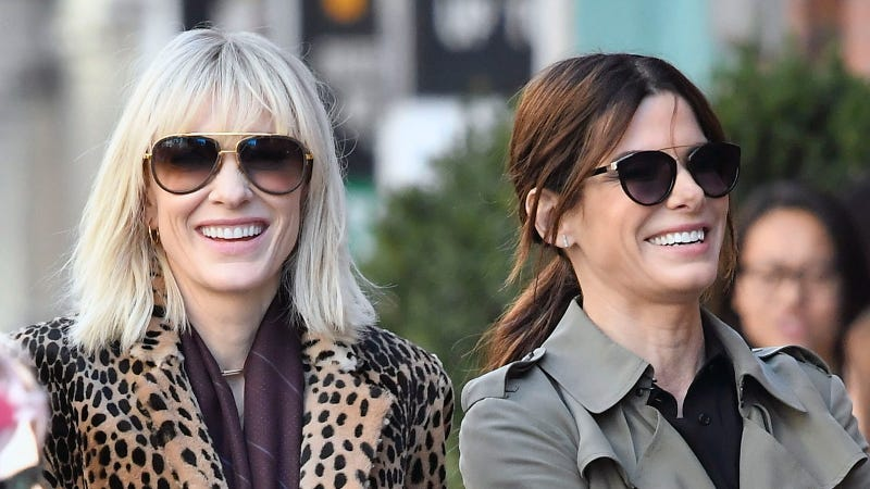 Everything We Learned From These Photos Of Sandra Bullock And Cate