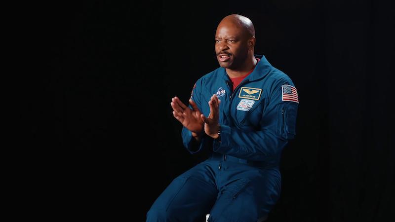 Illustration for article titled Cómo afecta al cuerpo humano vivir en el espacio, contado por un astronauta