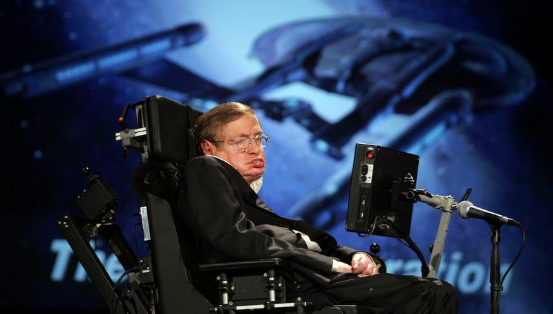 Stephen Hawking advierte que la Tierra se convertirá en una bola de fuego y deberíamos mudarnos a Alfa Centauri