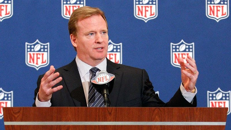Illustration for article titled Roger Goodell Carefully Considering Every Comment On NFL.com Message Boards