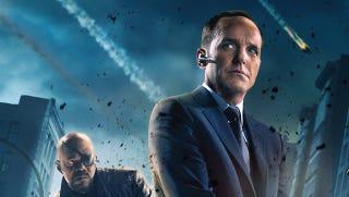 Illustration for article titled Rejoice! Agent Coulson will be in the new S.H.I.E.L.D. TV series!