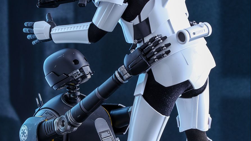 Illustration for article titled Hot Toys' K-2SO Just Wants to Give Your Other Action Figures a Nice Big Hug