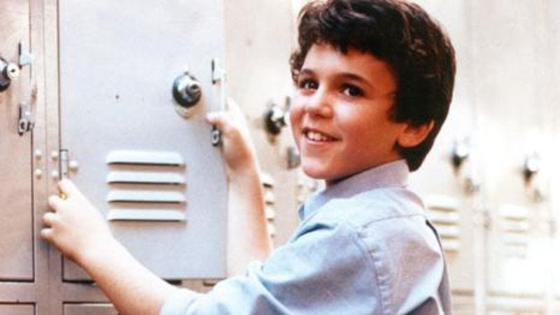 Illustration for article titled And that was the day Fred Savage became a game show host with Ricky Gervais