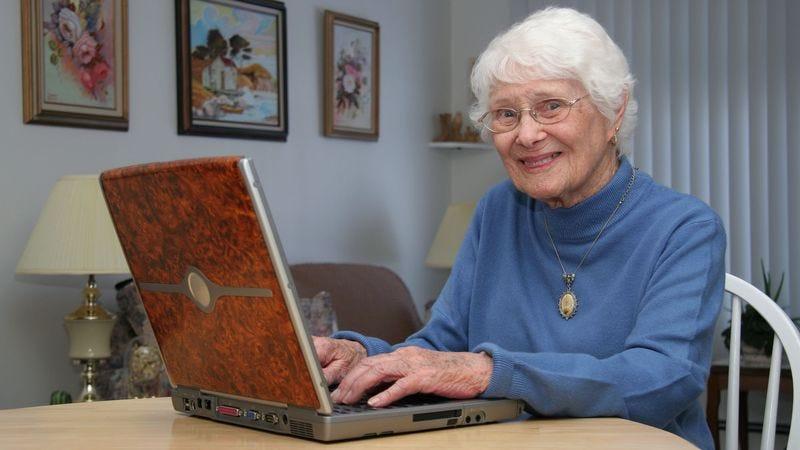 Illustration for article titled Area Grandma Enjoys Flourishing Correspondence With Mailer-Daemon