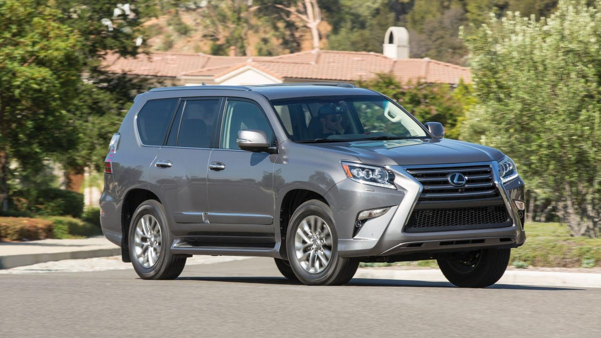 Lexus GX 460 Leads A Dual Life With Ultra-Smooth Driving Manners