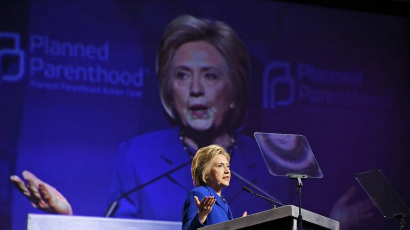 Illustration for article titled Hillary Clinton Addresses Planned Parenthood While Donald Trump Talks to Wary Evangelical Voters