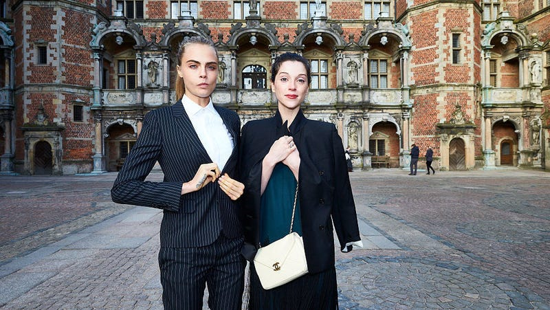 St vincent cara delevingne dating singer