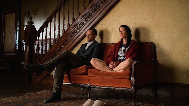 Jonny Lee Miller, Lucy Liu (Photo: CBS)