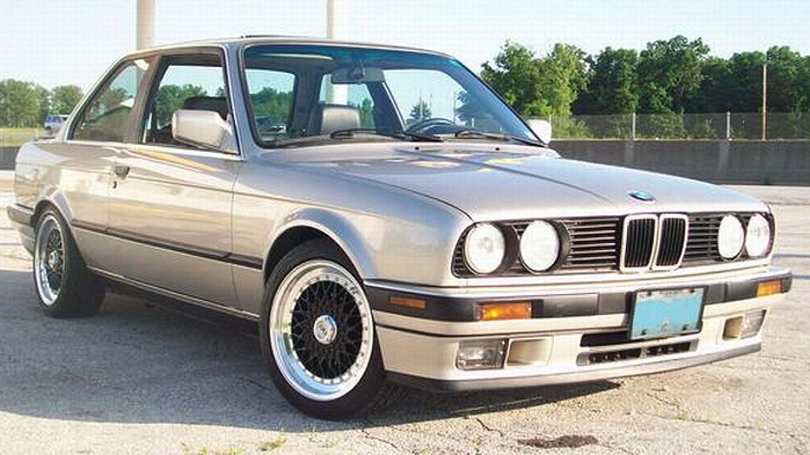 How About A 1989 BMW 325i Daily Driver For $3,500?