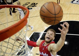Illustration for article titled Blake Griffin Tears Knee Cartilage, Will Not Play In The Olympics