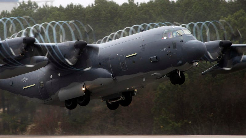 Illustration for article titled These Pretty Vortices Make This Super Hercules a Magical Aircraft