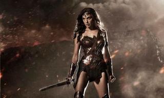 Illustration for article titled Primera imagen oficial de Wonder Woman en Batman V. Superman