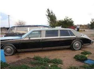 Illustration for article titled Deal Of The Year: Bustle-Back Ex-CIA Seville Limo For $350- Ran When Parked!