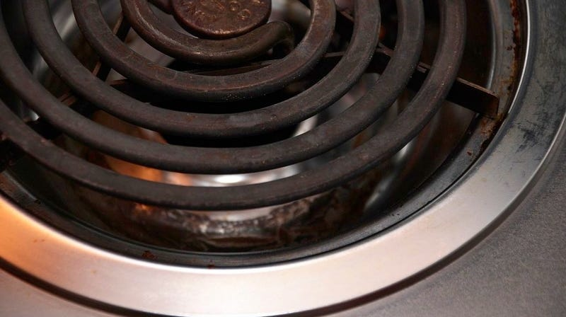 Illustration for article titled You Can Buy New Drip Pans for Your Stove
