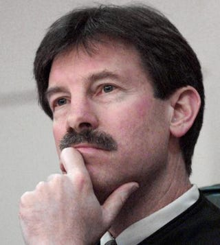 Judge Terry Lewis listening to arguments in Tallahassee, Fla., Dec. 8, 2000.COLIN HACKLEY-TAMPA TRIBUNE/AFP/Getty Images
