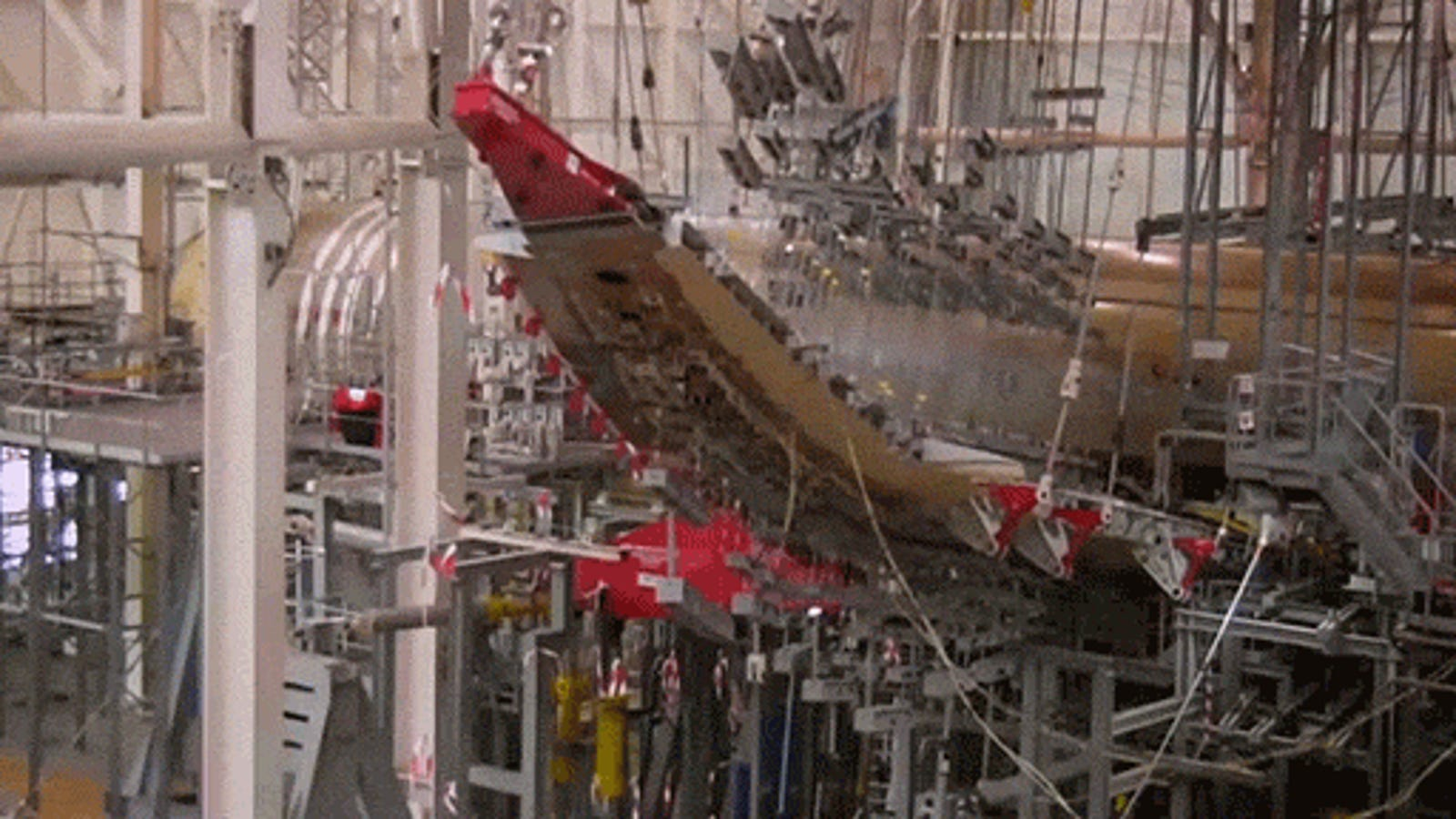 Here's the Crazy Wing Bending Airbus Does to Stress Test Its Airplanes