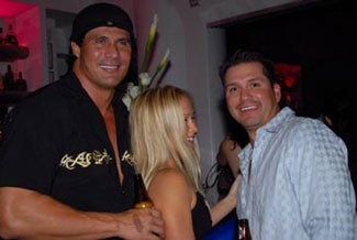 Illustration for article titled Jose Canseco Just Can't Catch A Break In This Business