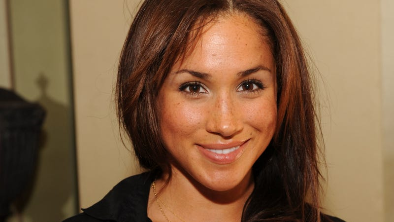 Illustration for article titled Contemplate the Twisting River of Fate While Gazing Upon These Photos of Meghan Markle at a Gifting Suite