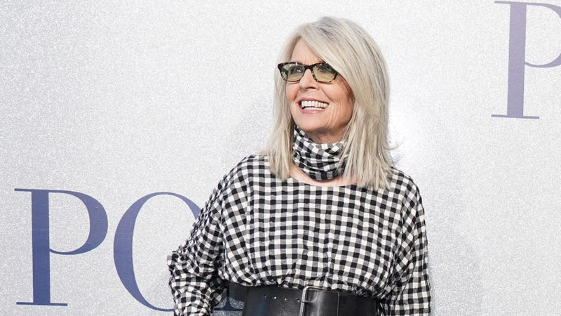 Illustration for article titled Diane Keaton Walks a Tight Line Between Gleefully Single and Extremely Horny