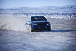 Illustration for article titled Audi RS6 shatters Bentley's ice speed record