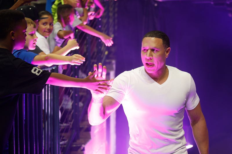Illustration for article titled Former NBA Star Mike Bibby Being Investigated for Alleged Sexual Abuse