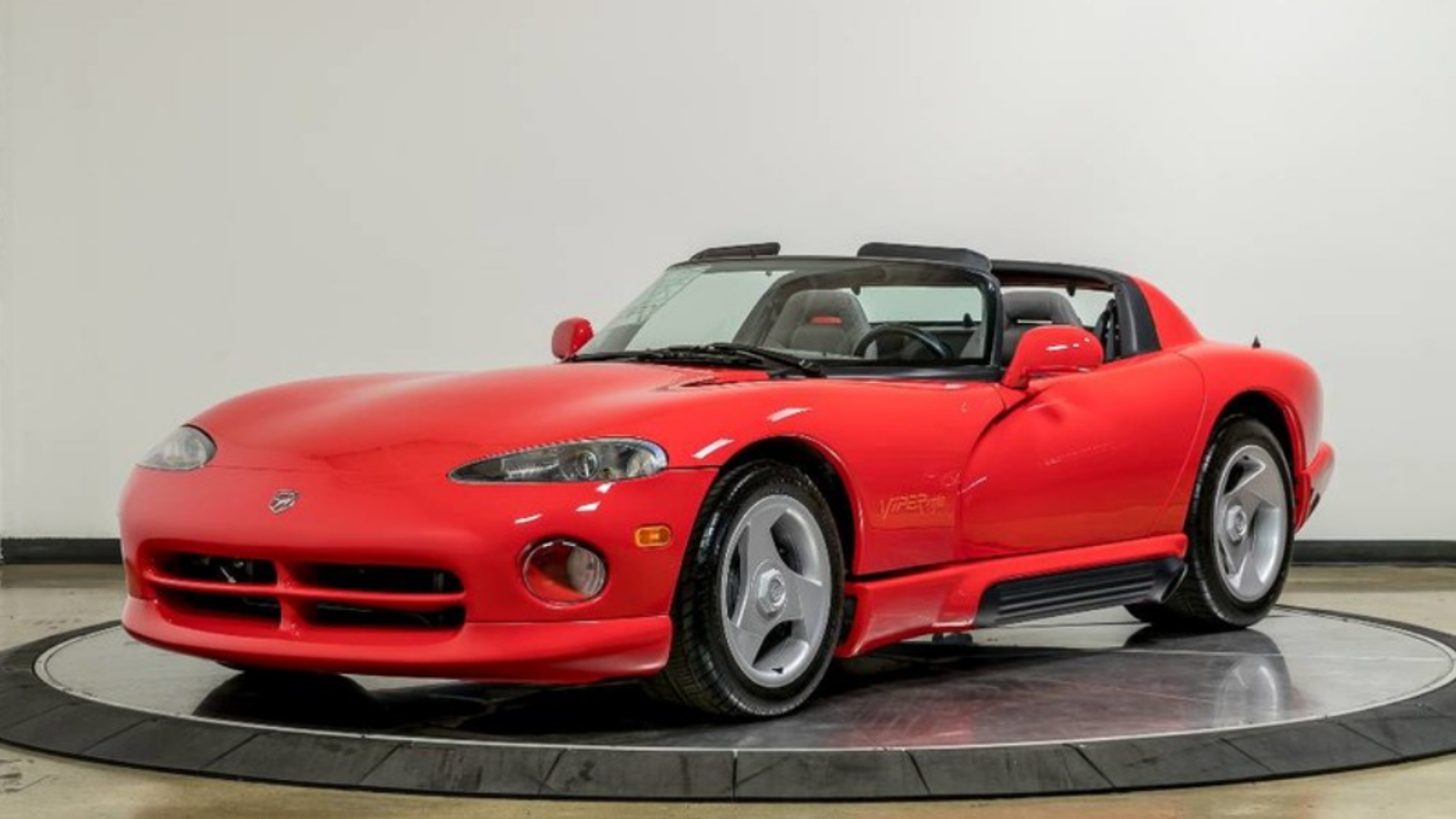 i need this time capsule 1992 dodge viper with 34 miles on. Black Bedroom Furniture Sets. Home Design Ideas