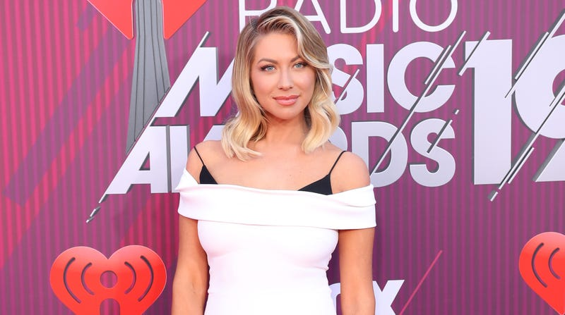 Illustration for article titled Congratulations to Stassi Schroeder, Who Just Saw a Nipple Hair for the First Time