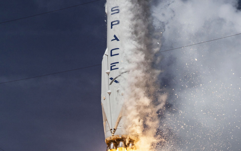 Illustration for article titled SpaceX Is About to Win Its First-Ever U.S. Military Mission