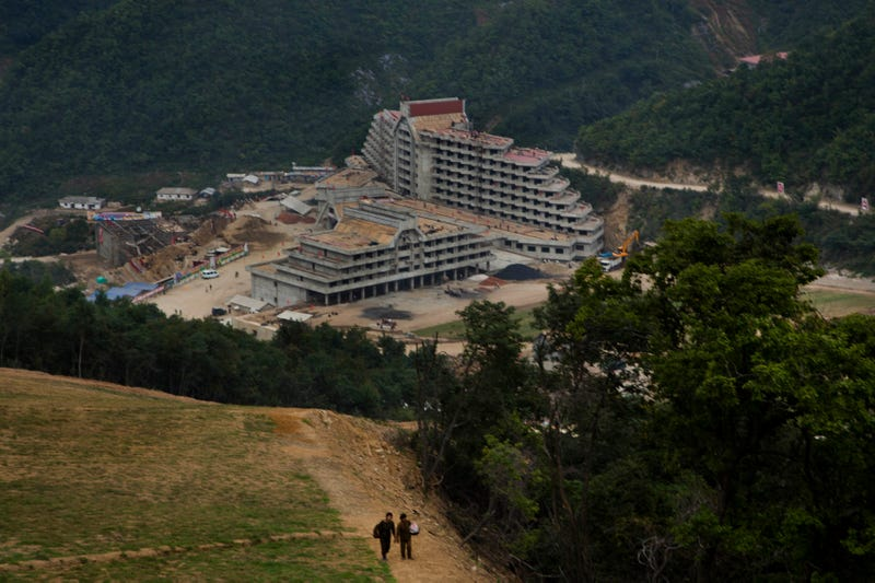 Illustration for article titled Look At These Bleak Photos Of North Korea's First Ski Resort
