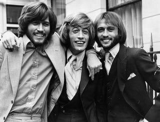 Illustration for article titled Azt hiszed, hogy már hallottad a legjobb Bee Gees-számokat? Tévedsz!