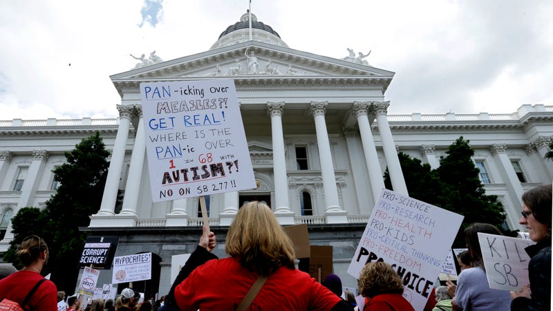 Anti-vaccination activists at a rally at the Sacramento Capital in 2015
