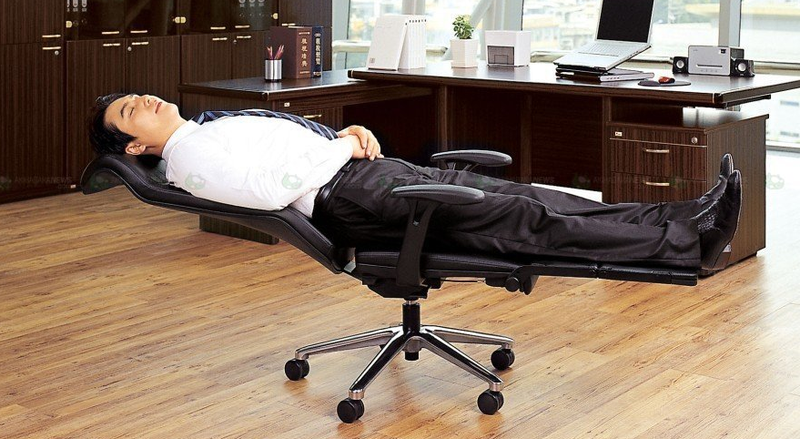 Turn Your Office Chair Into An Office Bed In Seconds
