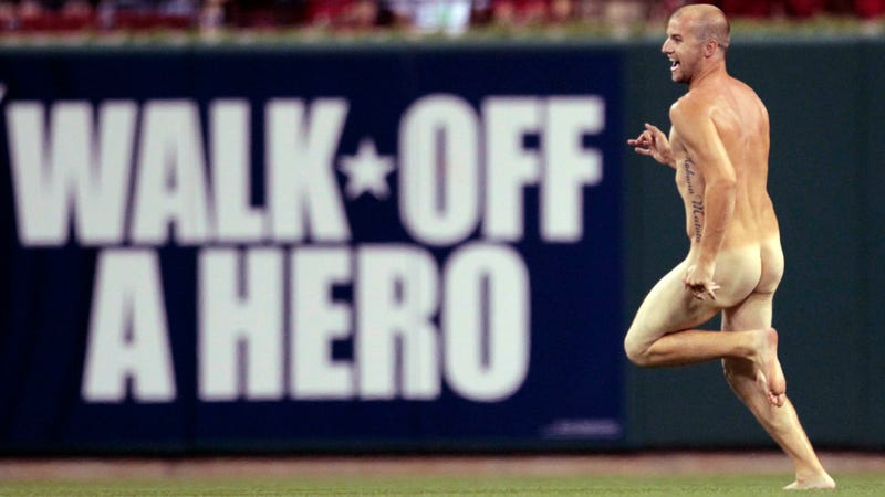 Illustration for article titled There Was A Bona Fide Streaker At Tonight's Phillies-Cardinals Game [UPDATE]