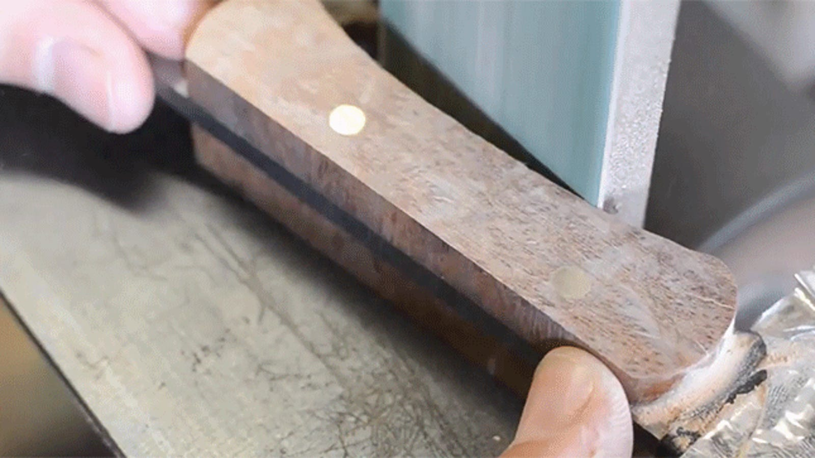 Let Your Brain Take a Nap While This Guy Builds a Kickass Japanese Utility Knife