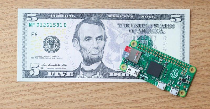 Illustration for article titled Pi Zero: el nuevo ordenador de Raspberry cuesta sólo $5 dólares