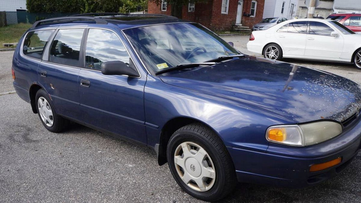 At $750, Would You Add This 1996 Toyota Camry LE Wagon To Your Life?