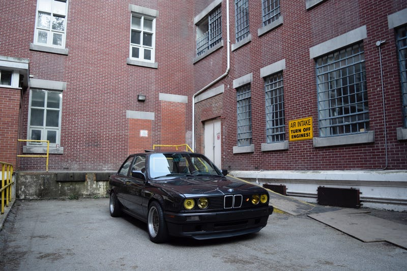 Illustration for article titled Took some pictures of my friend's E30