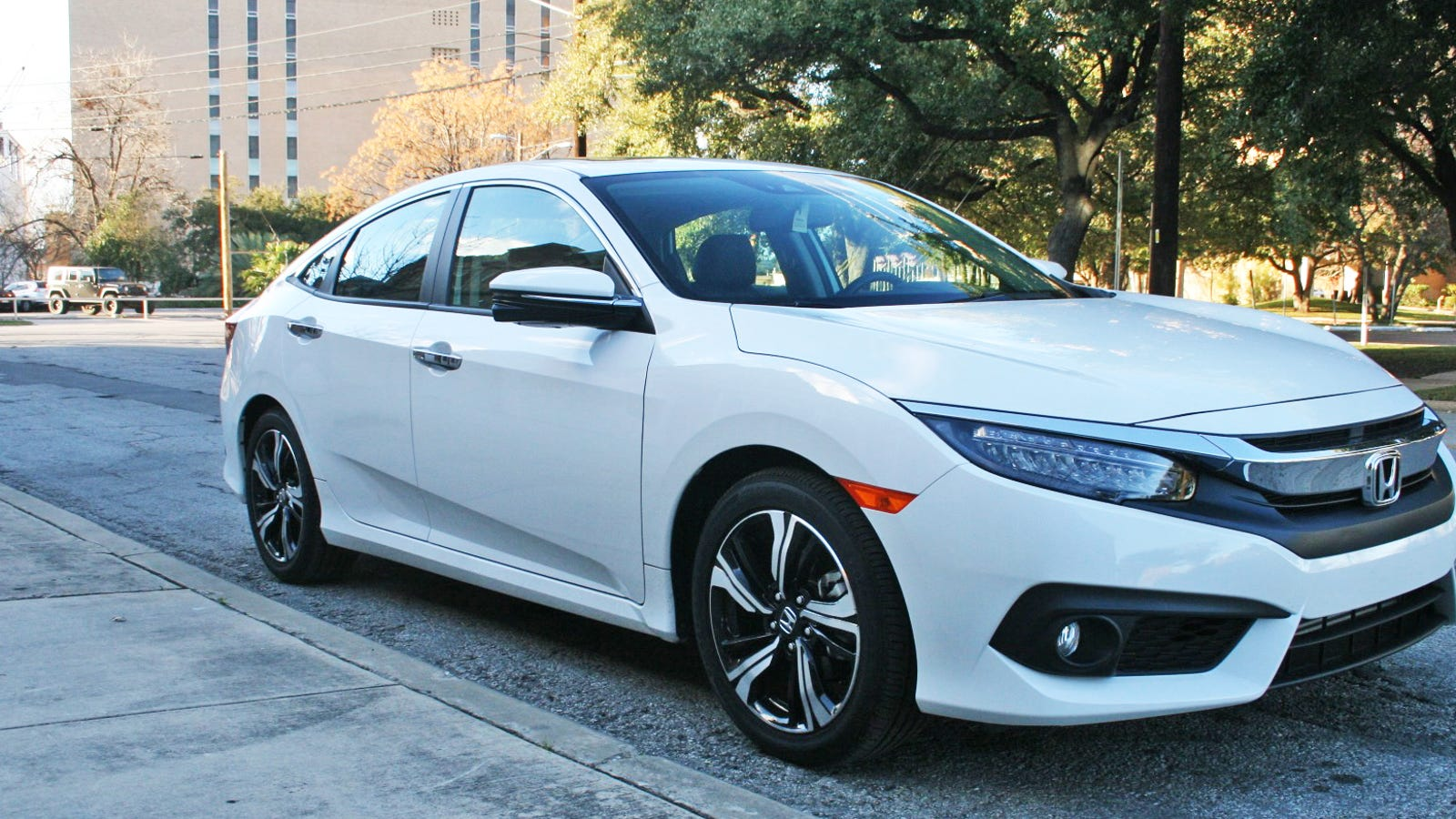 the 2016 honda civic is a return to hondas you actually want to own. Black Bedroom Furniture Sets. Home Design Ideas