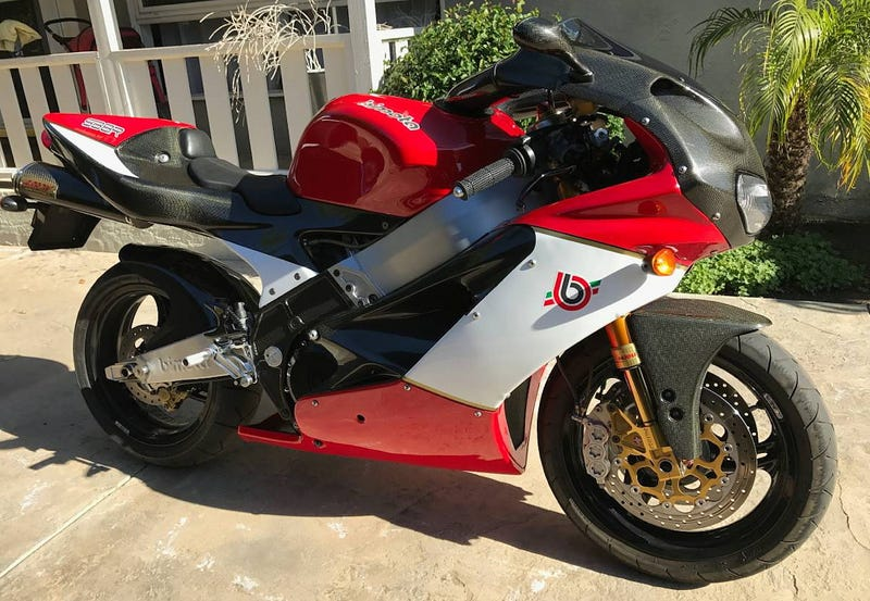 Illustration for article titled For $12,000, Could This 1999 Bimota SB8R's Price Entice You To Bi This Mota?