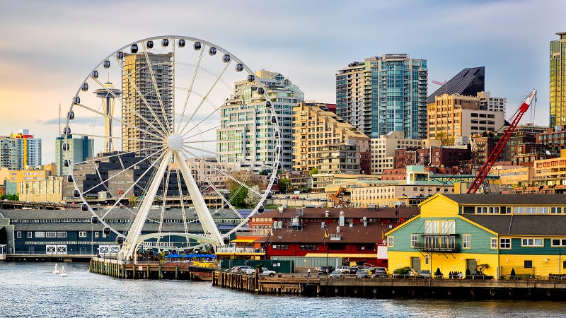 Illustration for article titled Dumbass Crashes Drone Into Seattle's Great Wheel