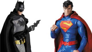Illustration for article titled These Toys Make Batman and Superman's New 52 Suits Actually Look Good