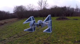 Illustration for article titled Cómo convertir tu dron en una réplica de TIE Interceptor de Star Wars