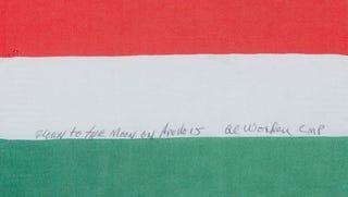 Illustration for article titled És azt tudtátok, hogy magyar zászló is keringett már a Hold körül?