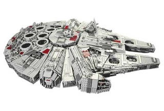 Illustration for article titled The Biggest Lego Set Ever Made - Star Wars Millennium Falcon - Does Point Five Past Lightspeed