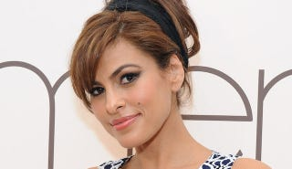 Illustration for article titled Eva Mendes Is Sorry for Saying That Wearing Sweatpants Causes Divorce