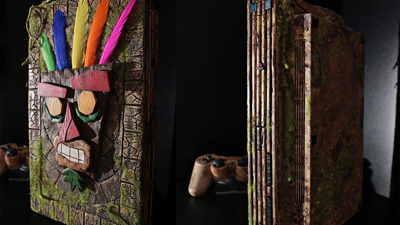 Illustration for article titled Custom PS2 Is A Worthy Tribute To Crash Bandicoot 2