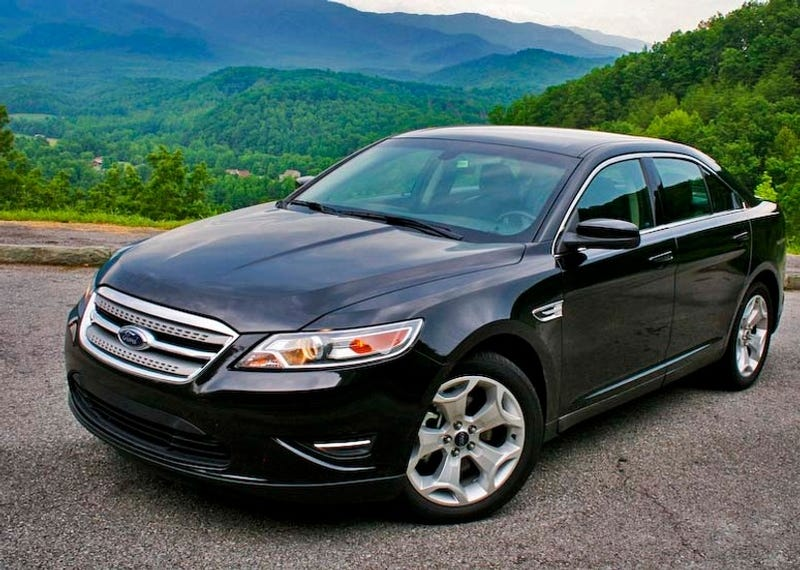 2010 ford taurus first drive. Black Bedroom Furniture Sets. Home Design Ideas
