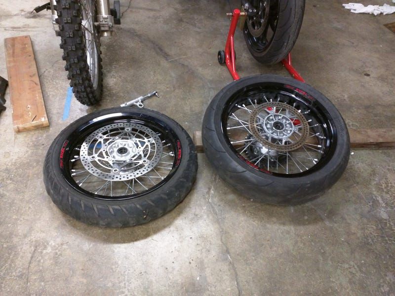 Illustration for article titled Supermoto wheels arrived!